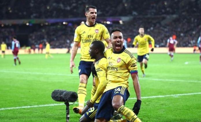 Selebrasi yang dilakukan Pierre-Emerick Aubameyang, usai membawa timnya unggul 3-1 dalam laga tandang melawan West Ham