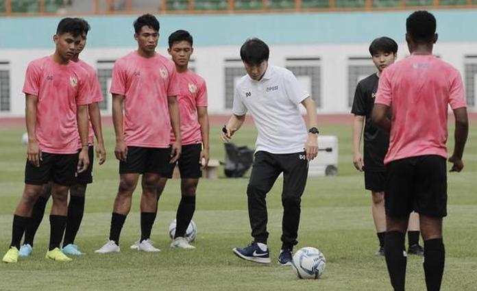 Suasana latihan Timnas U-19 bersama Shin Tae Yong
