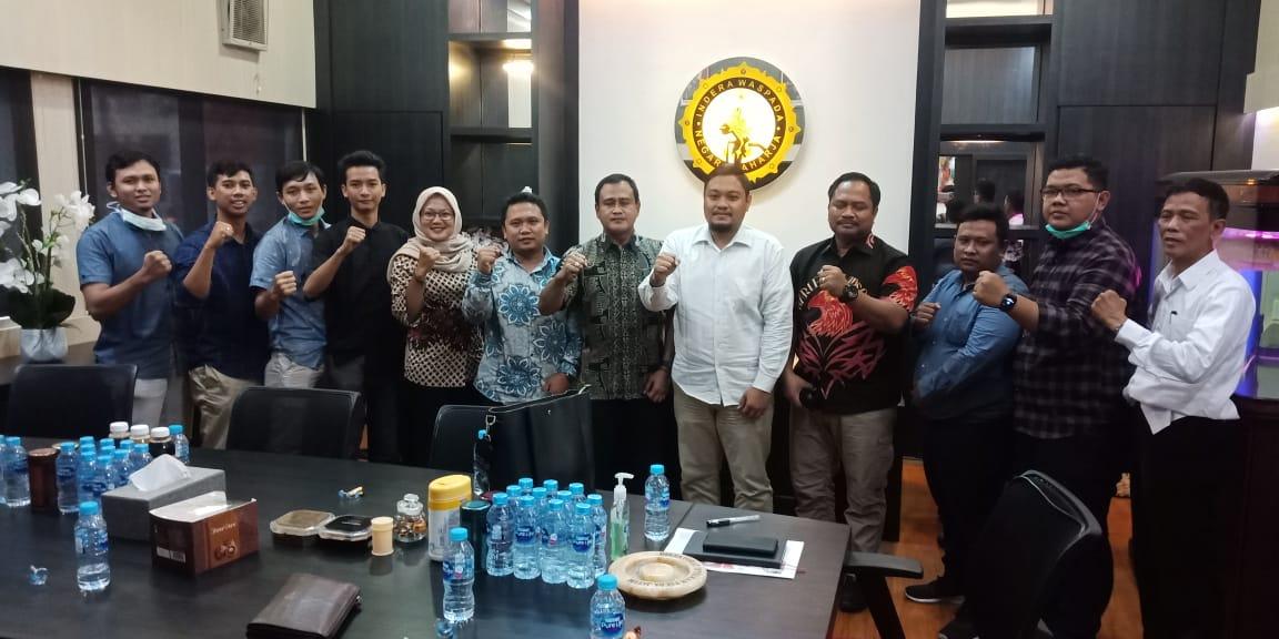 Surabaya, Jumat (20/03/2020), Audiensi pengurus Jatim Institute diterima oleh Kombes Pol Slamet Hariyadi, S.J.K., M.H., M.M. Dirintelkam Polda Jatim.