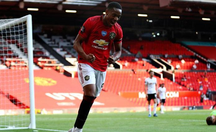 Selebrasi Anthony Martial usai mencetak gol ke gawang Sheffield United