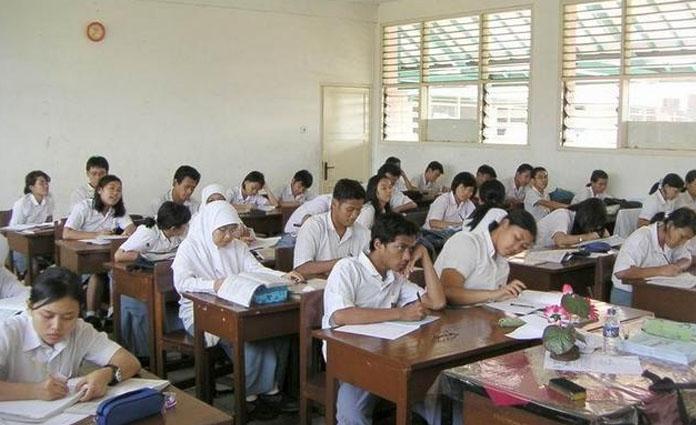 Ilustrasi pembelajaran sekolah sebelum Covid-19